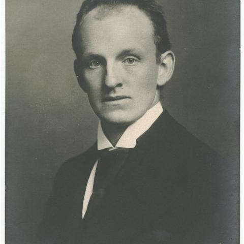 1880 - Gerhart Hauptmann, playwright, novelist