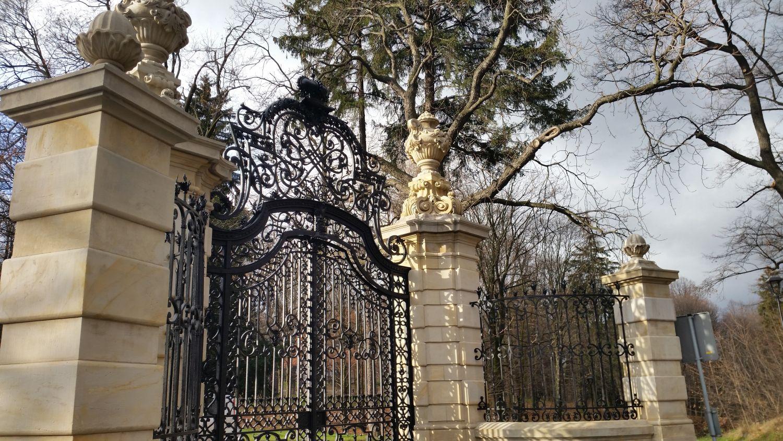 Renowacja bramy parkowej